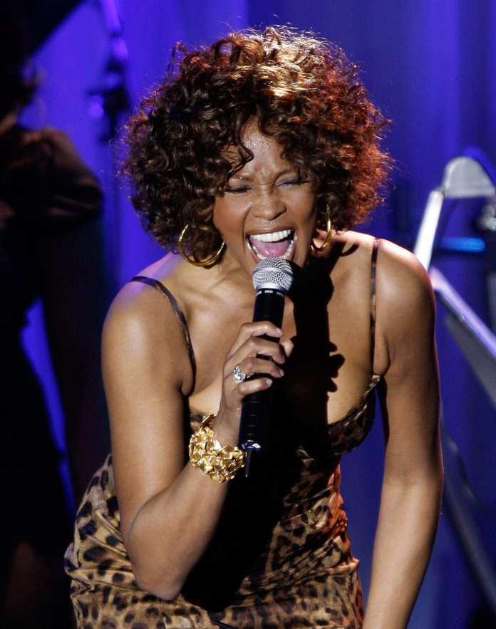"Whitney Houston ""Celebrate"", il brano postumo con Jordin Sparks"