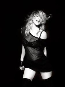 "Madonna - Booklet di ""MDNA"""