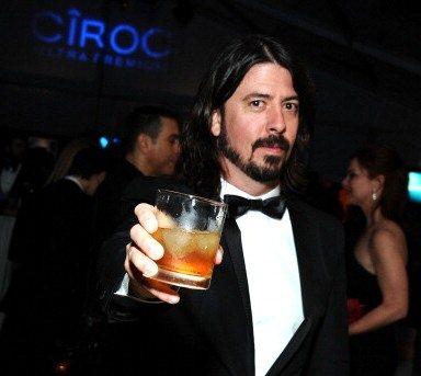 Dave Grohl a Courtney Love: nessuna avance alla figlia di Kurt Cobain