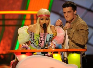 Nicki Minaj e Josh Hutcherson | © Kevork Djansezian/Getty Images