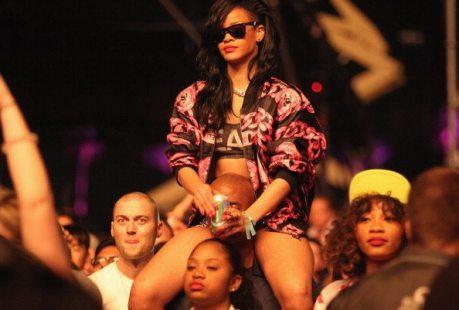 Rihanna - 15 Aprile 2012