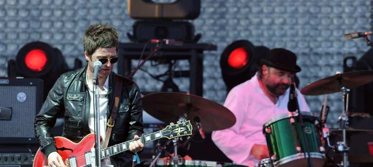 "Sarà ""Everybody's On The Run"" il nuovo singolo di Noel Gallagher"