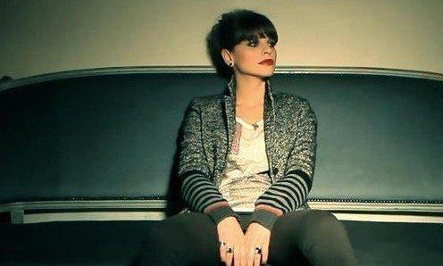 FIMI, Alessandra Amoroso sempre in vetta. Maroon 5 primi tra i singoli