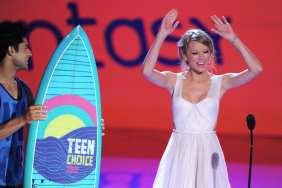 Taylor Swift festeggia la vittoria | © Kevin Winter/Getty Images