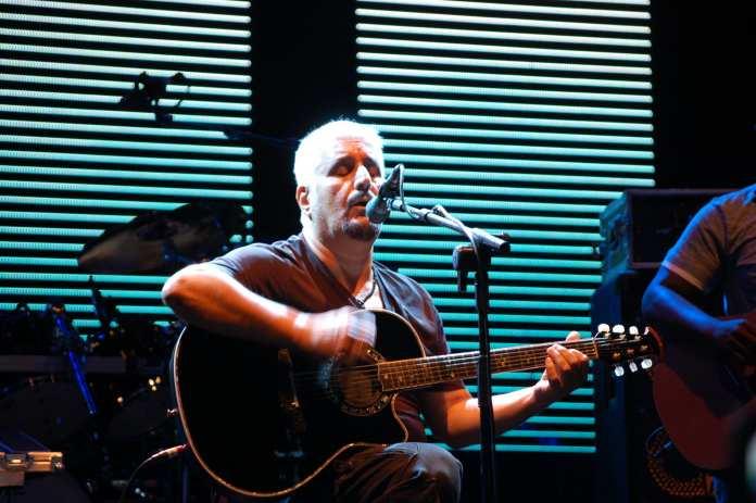 Pino Daniele, il toccante omaggio di Eric Clapton