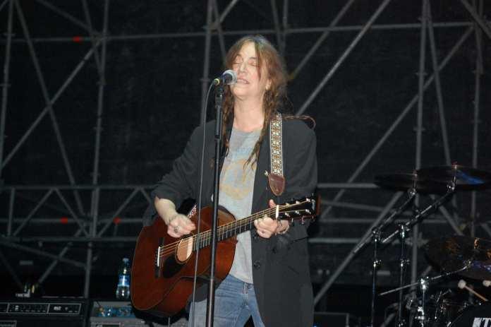 Patti Smith celebra la sua messa al Neapolis Festival.