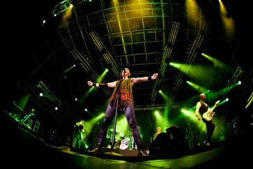 Garbage - Performance di Shirley Manson   © Henry Ruggeri