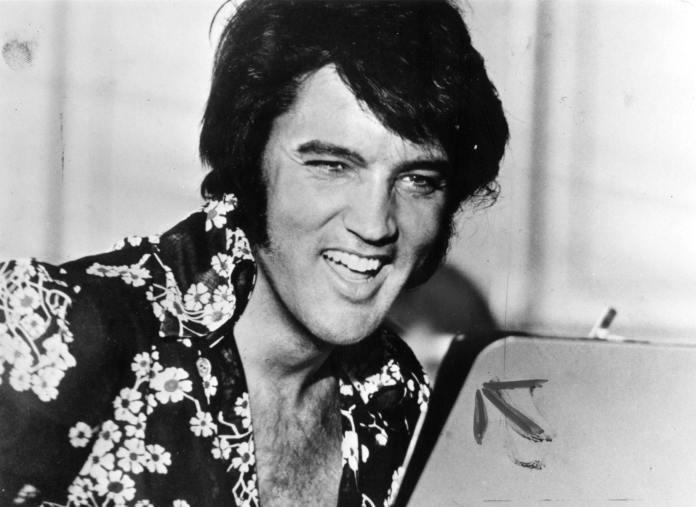 Trentacinque anni fa ci lasciava Elvis Presley, l'icona d'America