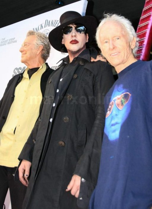Marilyn Manson con Robby Krieger e Ray Manzarek: il mito 'The Doors' live a Los Angeles