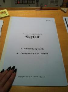Adele - Skyfall   Foto Twitter
