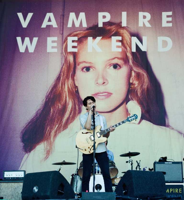 "I Vampire Weekend presentano l'inedito ""Unbelievers"" da Jimmy Kimmel"