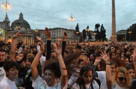 Piazza del Popolo invasa dal Flash Mob