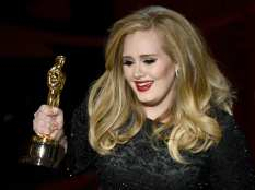 Adele entusiasta per la vittoria | © Kevin Winter/Getty Images