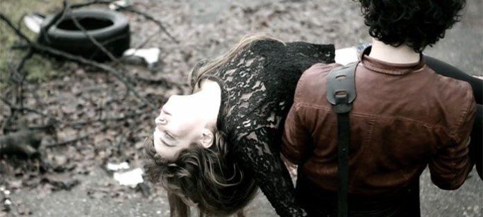"""Andrea Appino, il video del singolo """"Che il lupo cattivo vegli su di te"""""""