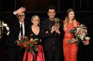 Marco Mengoni vince Sanremo 2013   © Daniele Venturelli/Getty Images)