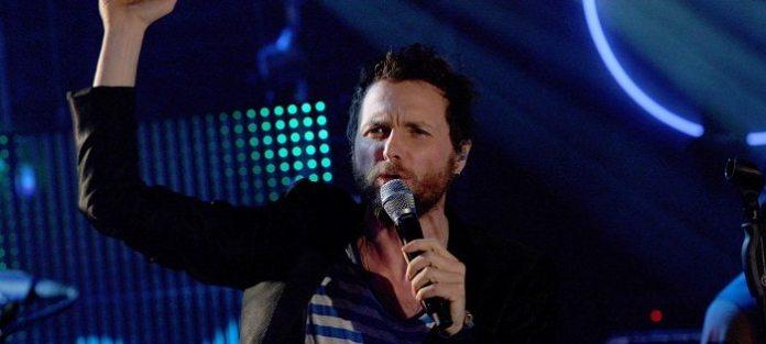 Jovanotti tra dj ed emergenti: Lorenzo negli stadi Tour si fa festival