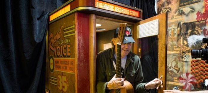 Jack White e Neil Young: passione vinile con Voice-O-Graph
