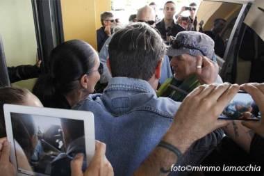 Vasco Rossi con i fan | © Mimmo Lamacchia