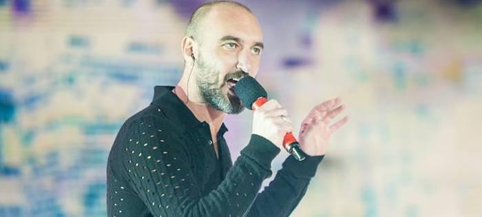 X Factor 7, crisi per gli Over di Elio Alan abbandona la competizione