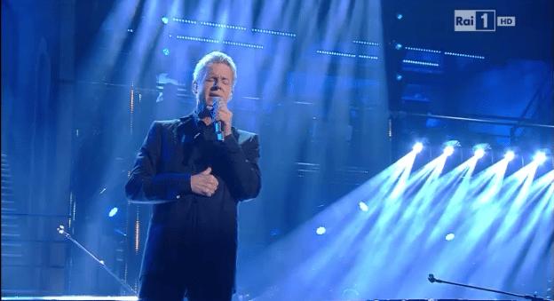 Sanremo 2014, standing ovation per Baglioni nella seconda serata