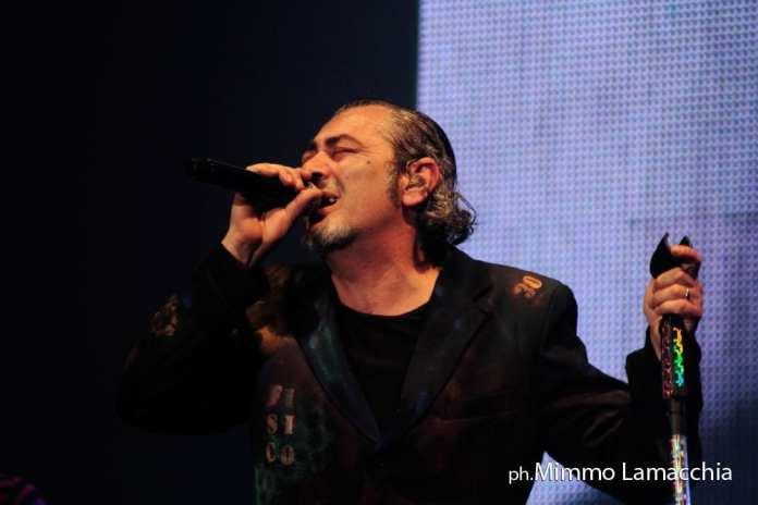 Luca Carboni, a Mestre il  Fisico&Politico Tour