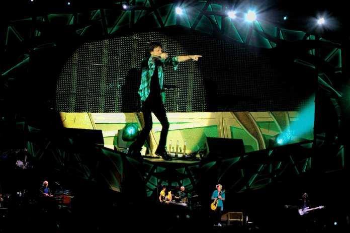 Rolling Stones, Roma sotto assedio del cross-fire hurricane