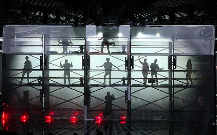 X Factor 8, fuori Vivian e Riccardo. In puntata vince la noia