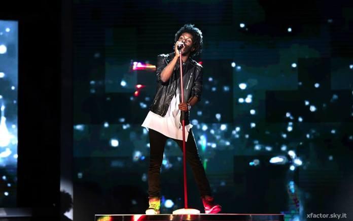 Leiner durante il suo inedito | foto X Factor facebook
