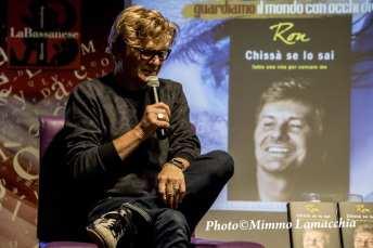 "Italian singer song-writer Rosalino Cellamare better known as Ron met the audience and presented his new autobiography, ""Chissà se lo sai - tutta una vita per cercare me"" at the library ""The Bassanese"" in Bassano del Grappa."