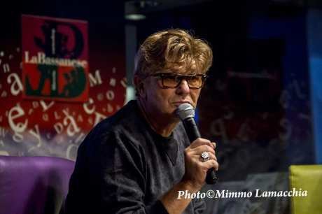 "Italian singer song-writer Rosalino Cellamare better known as Ron met the audience and presented his new autobiography, ""Chissà se lo sai - tutta una vita per cercare me"" at the library ""The Bassanese"" in Bassano del Grappa."