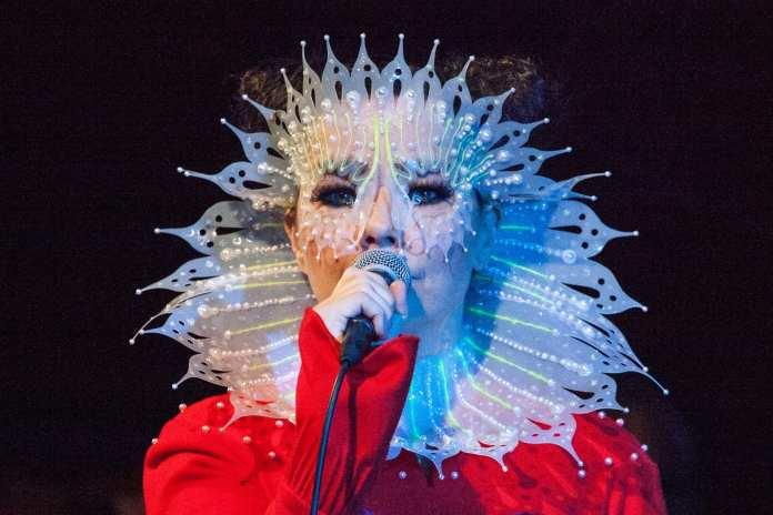 """Björk, ascolta il nuovo singolo """"The Gate"""" uscito in anticipo"""