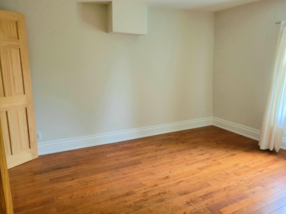 Selling Our House and Everything in It – Mostly