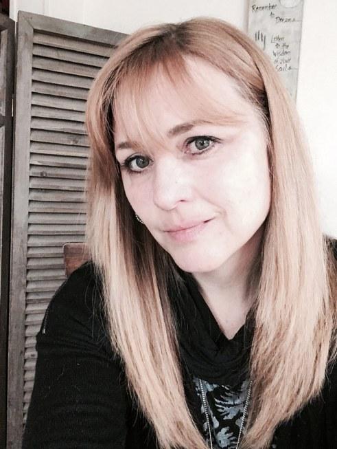 Author, Blogger Melony Teague