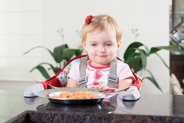 Manter a cadeira de alimentação higienizada é importante para a saúde dos bebês. Imagem: Divulgação