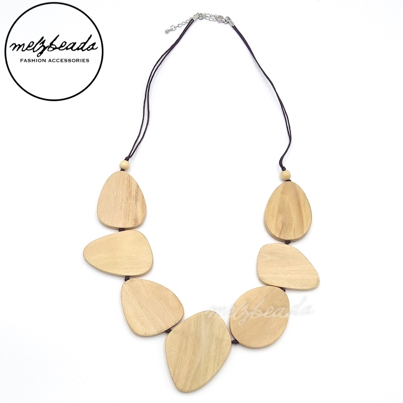 Natural Wooden Leaves Necklace