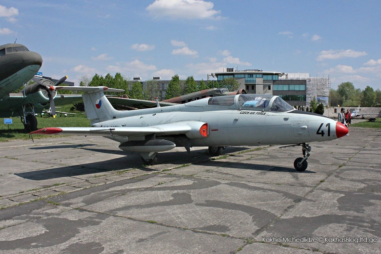 L-29 Delfín (Dolphin)