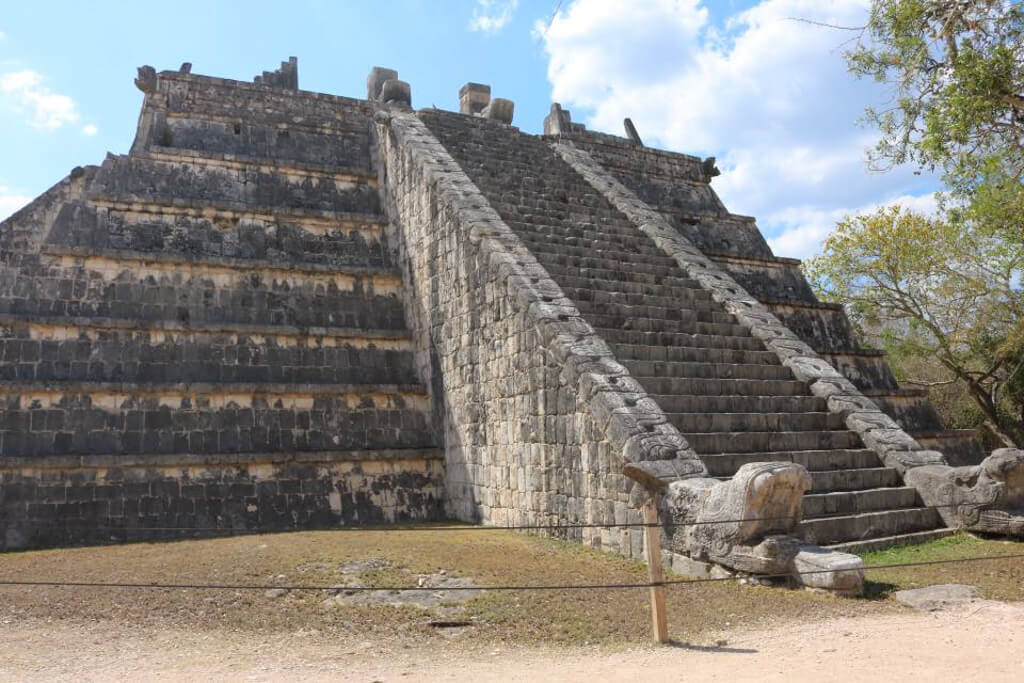 Osario Pyramid at Chichen Itza