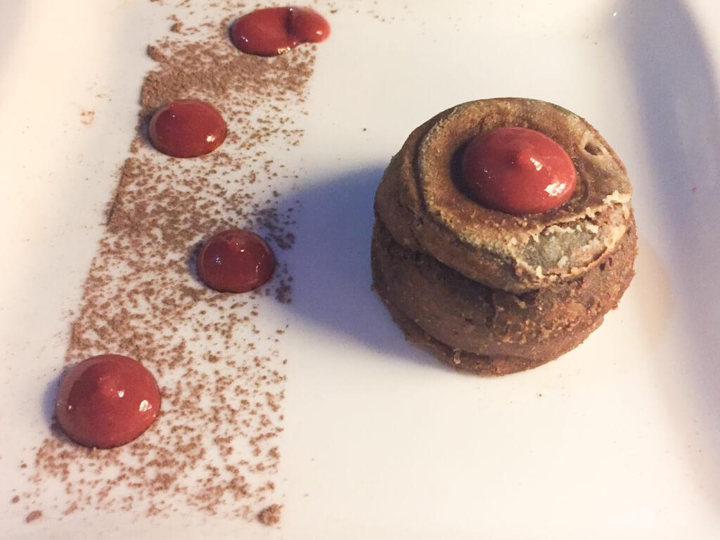 Fresa y chocolate dessert at Paladar La Guarida