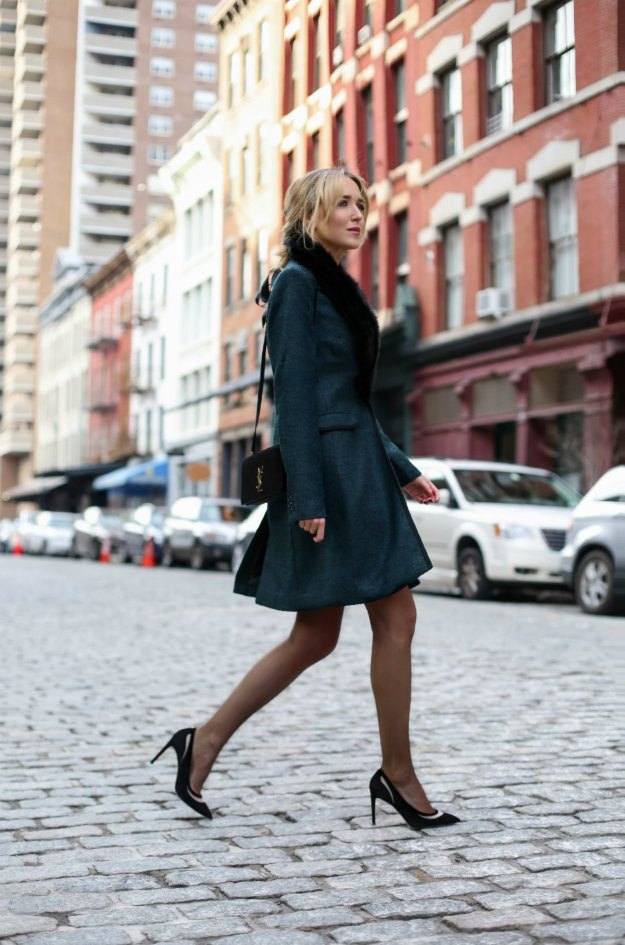 banana-republic-emerald-green-black-piped-coat-faux-fur-removable-collar-pencil-skirt-work-wear-office-style-professional-women-fashion-blog-style-memorandum4
