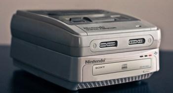 [Tópico Oficial] A Historia de cada Videogame.  Sony-nintendo-disk-system