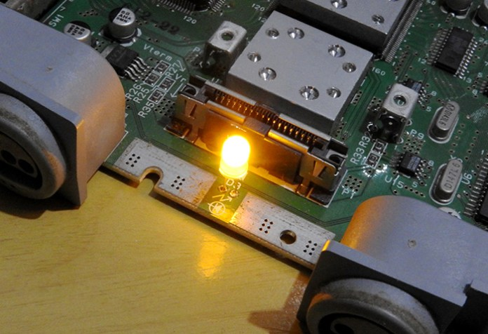 n64 led amarelo instalado