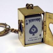 Minibaralho em chaveiro, da Nintendo.