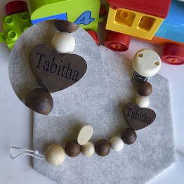 Heart Dummy Clip - HEIMESS Personalised Name Dummy Soother Clip Chain Heart, Nature Wood 21 cm