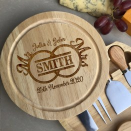 This stunning personalised cheese board. Whether it for a wedding or anniversary, they will love this unique personalised gift! This beautifully personalised cheese board is the perfect wedding or anniversary gift.
