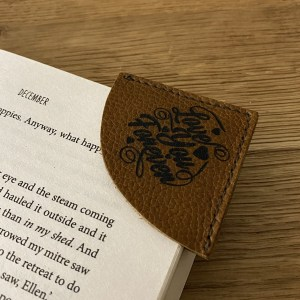 A beautiful gift for book lovers, birthdays, anniversaries, Christmas, Mother's/Father's day, valentines, etc. Handmade from 'Calf' leather.