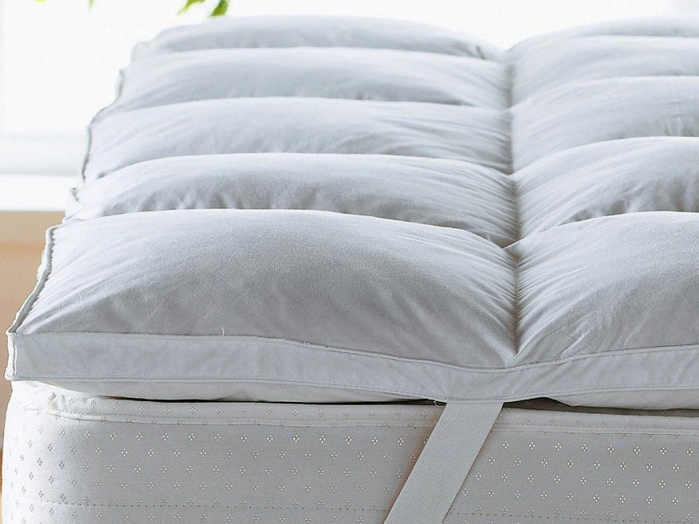 how thick should a mattress topper be