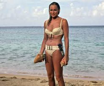 "Ursula Andress in ""James Bond jagt Dr. No'"" (1962)"