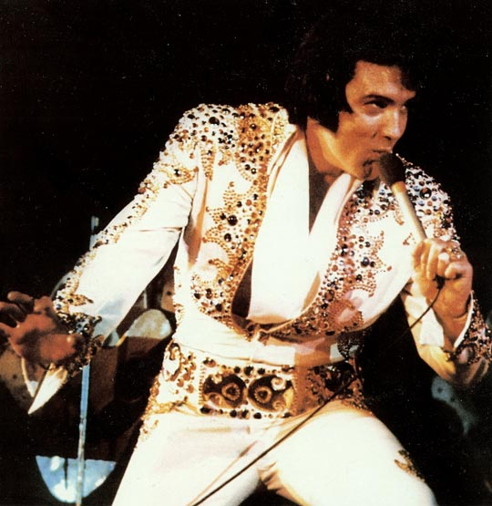 Elvis Presley im März 1974 - Foto: Recorded Live On Stage In Memphis (FTD), 2004