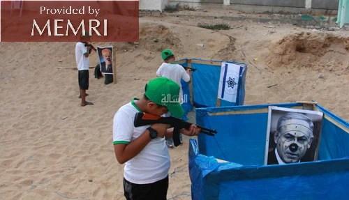 Acampamento de verão do Hamas recruta adolescentes para treinamento terrorista em Gaza 21