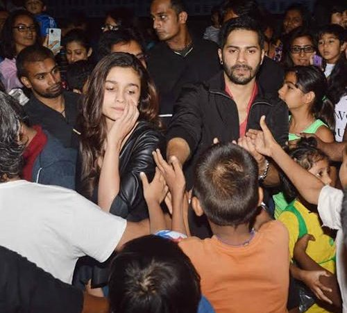 Varun Dhawan And Alia Bhatt Visit Theatres To Meet Their Fans